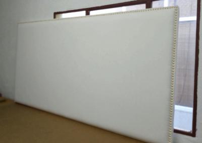 Cabecero - tapizado en blanco